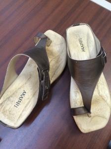 sandals worn 030315